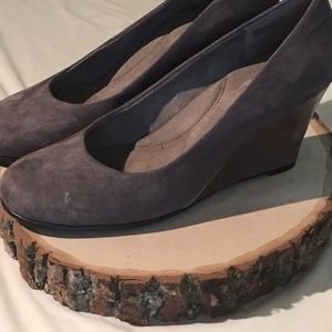 """Aerosoles 3"""" wedge - gray suede with copper heel"""